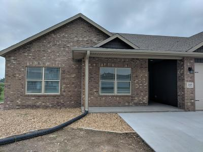 Joplin MO Rental For Rent: $1,200