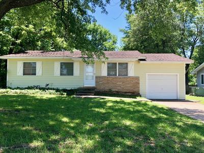 Jasper County Single Family Home For Sale: 2218 W 2nd Street