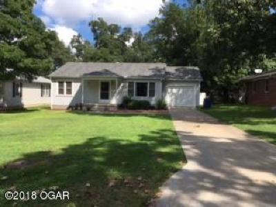 Newton County Single Family Home For Sale: 519 E 33rd #1