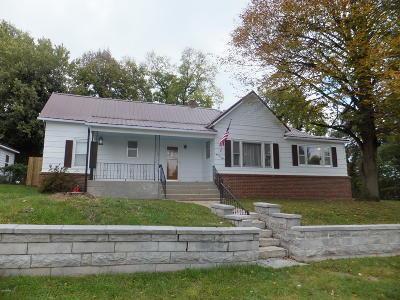 Jasper County Single Family Home For Sale: 1102 W Chestnut Street