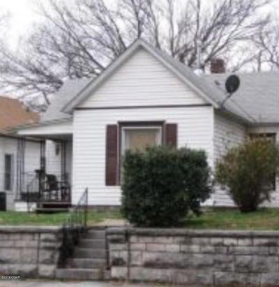Jasper County Single Family Home For Sale: 322 N Byers Avenue
