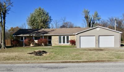 Neosho MO Single Family Home For Sale: $145,000