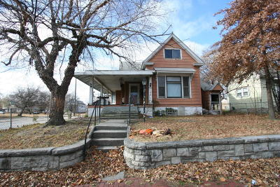 Jasper County Single Family Home For Sale: 106 N Wall Avenue