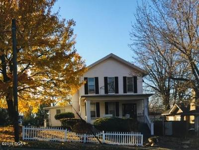 Newton County Single Family Home For Sale: 100 N High Street