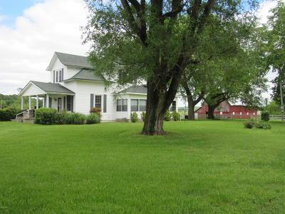 Neosho MO Single Family Home For Sale: $165,000