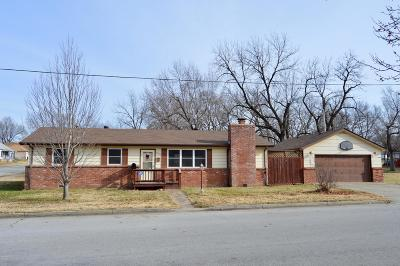 Webb City MO Single Family Home For Sale: $81,500