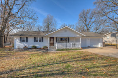 Carl Junction MO Single Family Home For Sale: $128,500