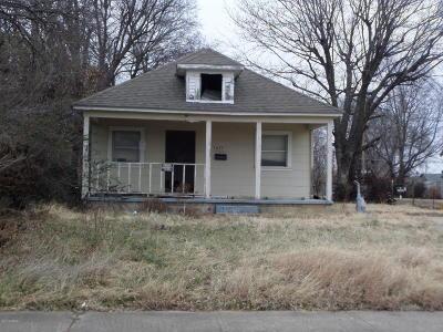 Barry County, Barton County, Dade County, Greene County, Jasper County, Lawrence County, McDonald County, Newton County, Stone County Single Family Home For Sale: 3035 E 12th