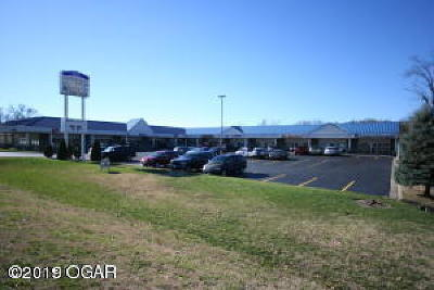 Barry County, Barton County, Dade County, Greene County, Jasper County, Lawrence County, McDonald County, Newton County, Stone County Commercial For Sale: 1810 N Rangeline Road #3