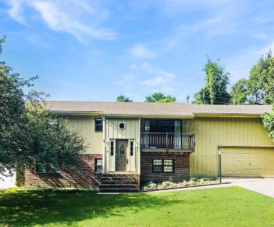 Neosho MO Single Family Home For Sale: $144,900