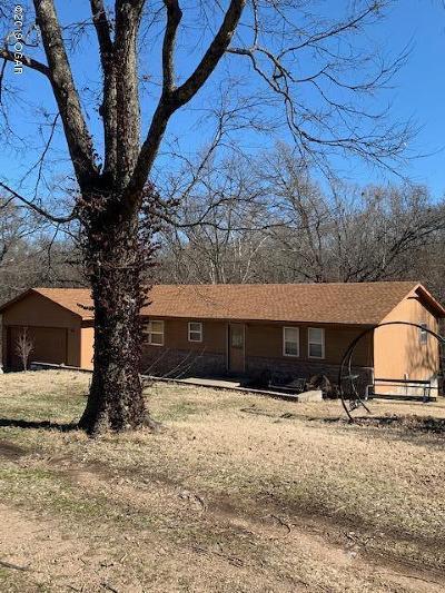 Newton County Single Family Home For Sale: 8804 Eloise Lane