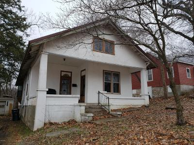 Newton County Single Family Home For Sale: 329 W Hill