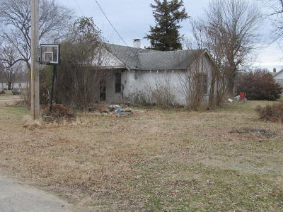 Newton County Single Family Home For Sale: 122 Central