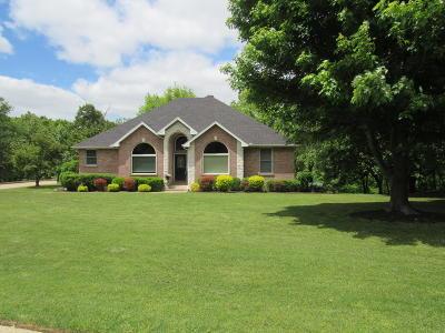Barry County, Barton County, Dade County, Greene County, Jasper County, Lawrence County, McDonald County, Newton County, Stone County Single Family Home For Sale: 4530 S Johnson