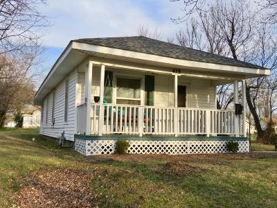 Jasper County Single Family Home For Sale: 419 S McConnell