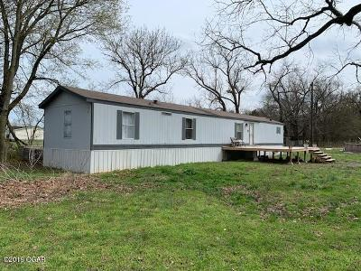 Newton County Single Family Home For Sale: 21518 Aspen Rd Road