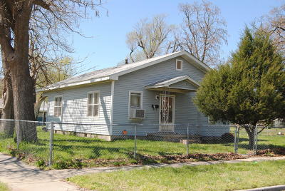 Jasper County Single Family Home For Sale: 1130 S Sergeant Ave Avenue