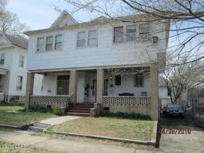 Multi Family Home For Sale: 820-822 S Byers Avenue