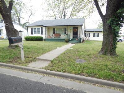Barry County, Barton County, Dade County, Greene County, Jasper County, Lawrence County, McDonald County, Newton County, Stone County Single Family Home For Sale: 1102 Jefferson Avenue