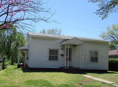 Jasper County Single Family Home For Sale: 818 W 12th