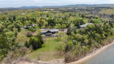 Single Family Home For Sale: 27564 Farm Road 1200