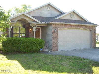 Jasper County Single Family Home For Sale: 2228 S Willard Avenue