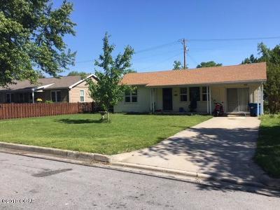 Barry County, Barton County, Dade County, Greene County, Jasper County, Lawrence County, McDonald County, Newton County, Stone County Single Family Home For Sale: 2807 E 14th