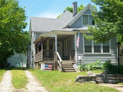 Jasper County Single Family Home For Sale: 724 Chestnut Avenue