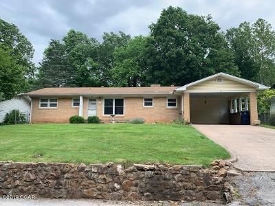 Newton County Single Family Home For Sale: 811 Wornall Street
