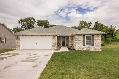 Newton County Single Family Home For Sale: 1207 Justins Trail