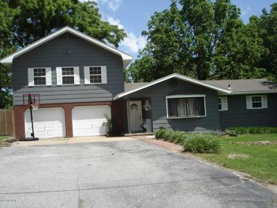 Neosho Single Family Home For Sale: 1924 Ridgewood Road