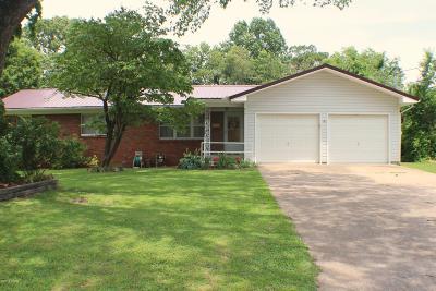 Newton County Single Family Home For Sale: 615 Oak Ridge Drive