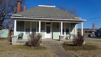 Newton County Rental For Rent: 320 E Hickory Street