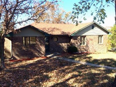 Single Family Home For Sale: 1858 Saratoga Blvd