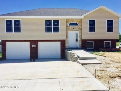Single Family Home For Sale: 500 Gregory Lane