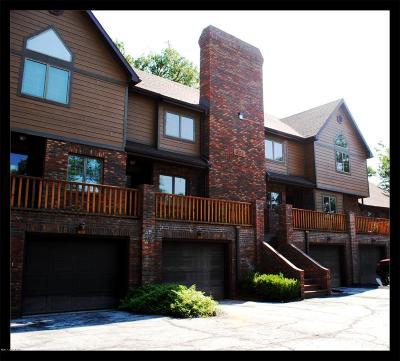 Single Family Home For Sale: 621 Hobbs Court #E