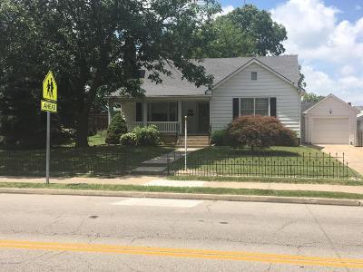 Single Family Home For Sale: 203 S Oak Street