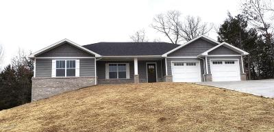 Single Family Home For Sale: 7610 Hunters Lane