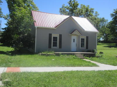 Single Family Home For Sale: 5311 N Smith Street
