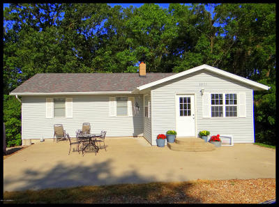Single Family Home For Sale: 2223 S Landing Creek