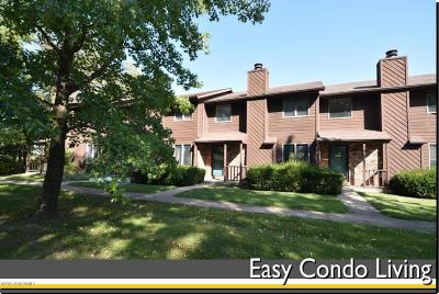 Single Family Home For Sale: 614 Woodlander Road