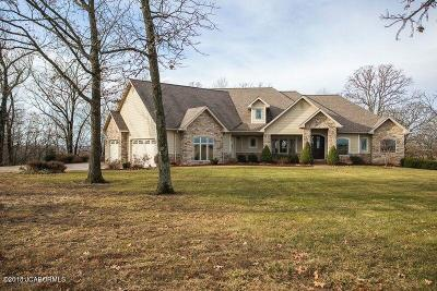 Single Family Home For Sale: 10 Helton Drive