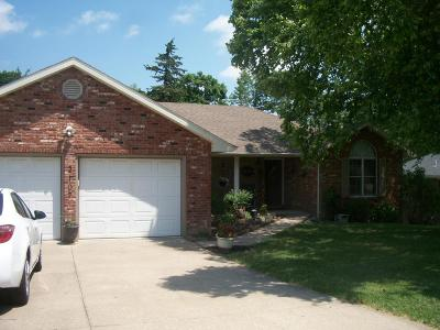 Jefferson City Single Family Home For Sale: 2107 Deer Trail