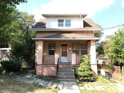 Jefferson City Single Family Home For Sale: 1227 E Dunklin Street