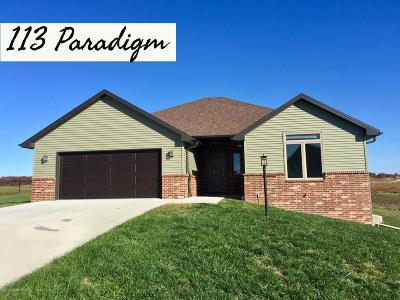 Single Family Home For Sale: 113 Paradigm Drive