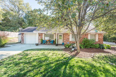 Ashland, Columbia, Hartsburg, Fulton, Holts Summit, New Bloomfield, Centertown, Eugene, Jefferson City, Russellville, Wardsville Single Family Home For Sale: 2419 Starling Drive