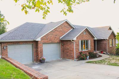 Jefferson City Single Family Home For Sale: 104 Monterey Drive