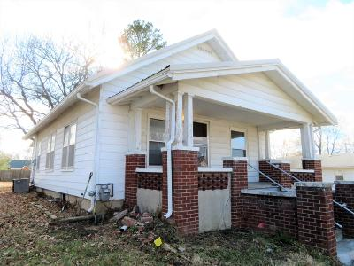 Single Family Home For Sale: 207 W Versailles Avenue