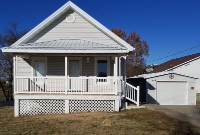 Single Family Home For Sale: 304 W Cedar Street