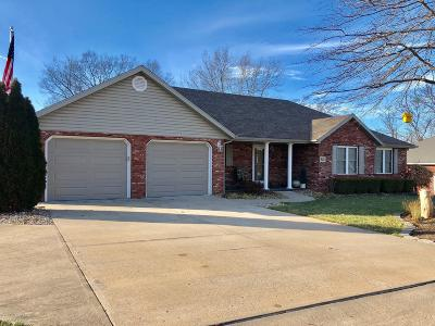Jefferson City Single Family Home Active With Contingency: 823 Rock Hill Court